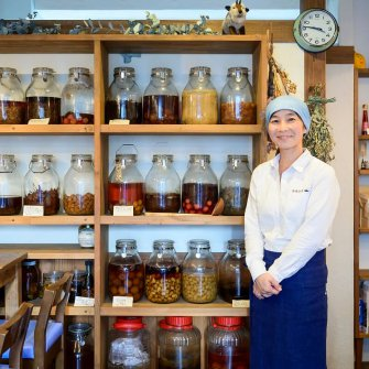醸して魅せる発酵アート、「かもし棚」で伝えたいこと。