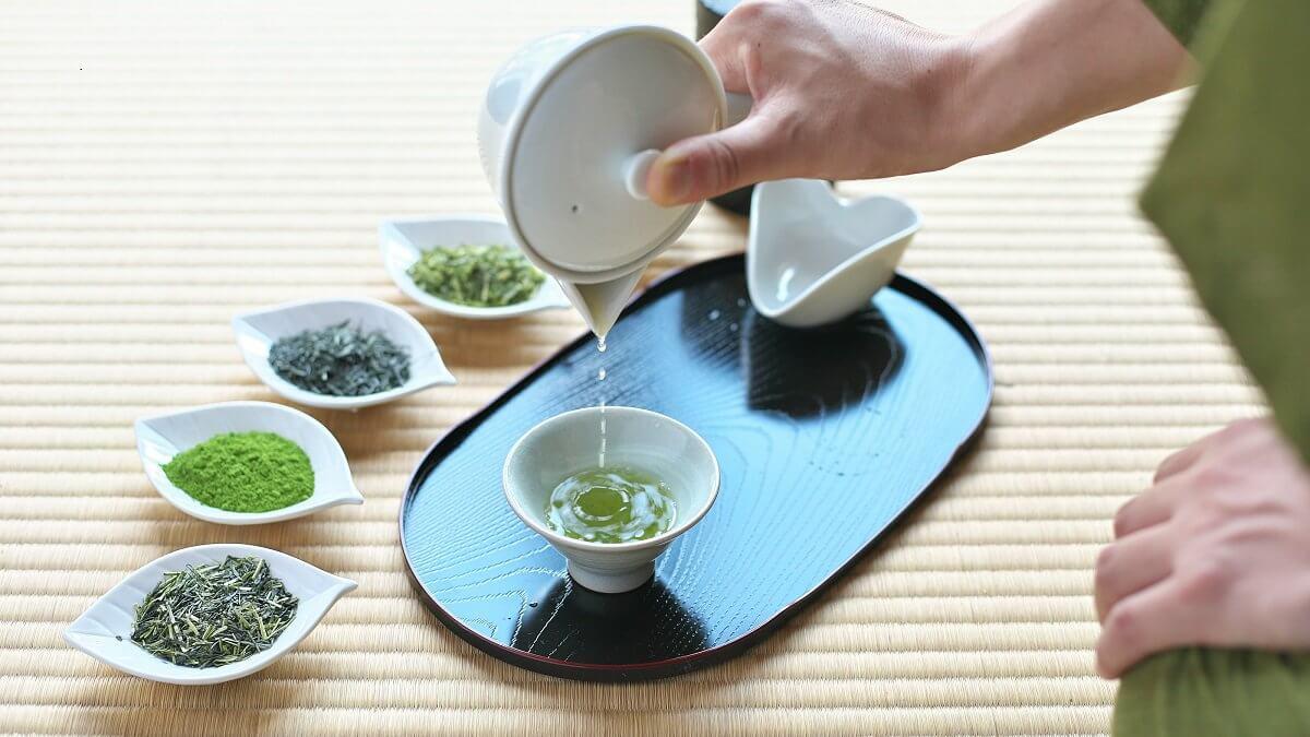 Let's enjoy learning Japanese tea from Mr. Chamurai! !!